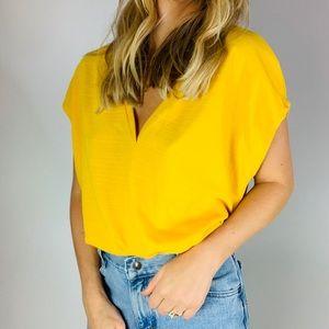 Zara Tops - 🌵Zara yellow Vneck boxy short sleeve cap sleeve t
